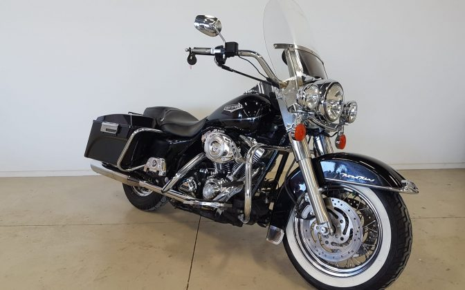 Harley Davidson & Pre-Owned - 2007 Harley Davidson Road King Classic