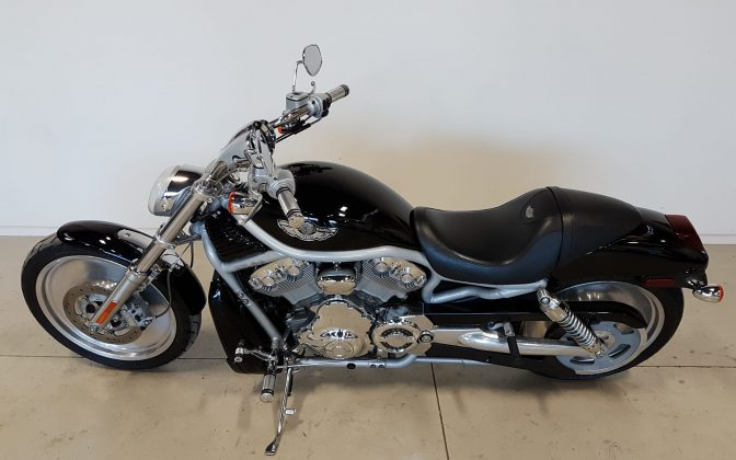 Harley Davidson & Pre-Owned - 2003 Harley Davidson V Rod